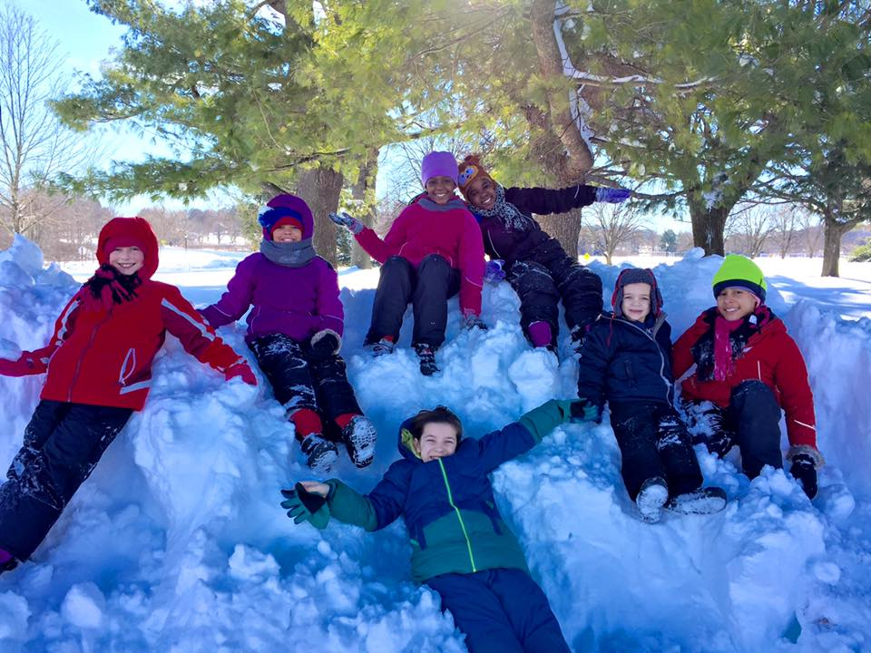 Erik Niel with friends enjoing with snow