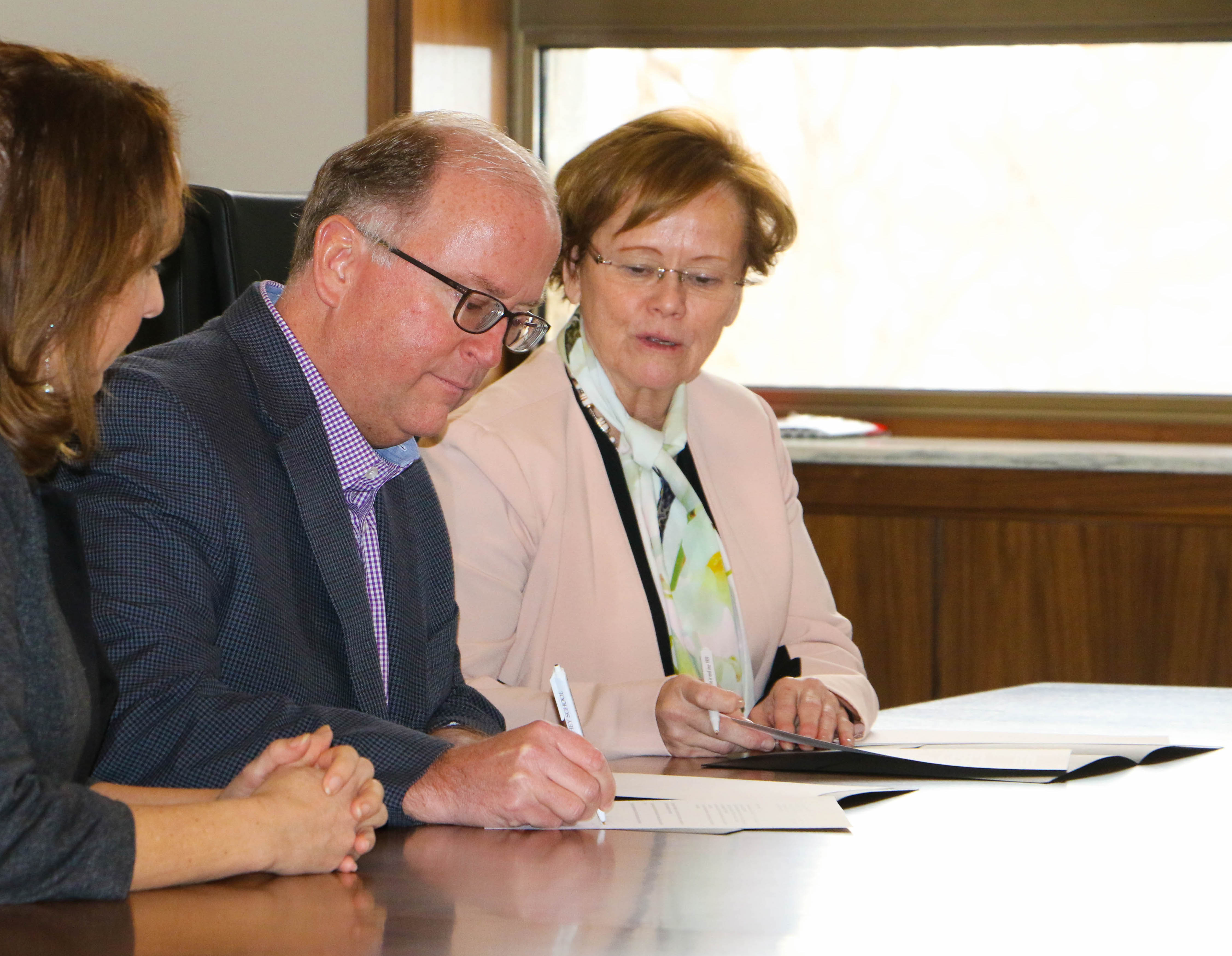 Milton Hershey School signed a Memorandum of Understanding with Dickinson College.
