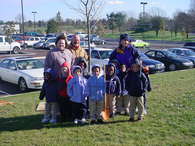 MHS elementary students plant a tree