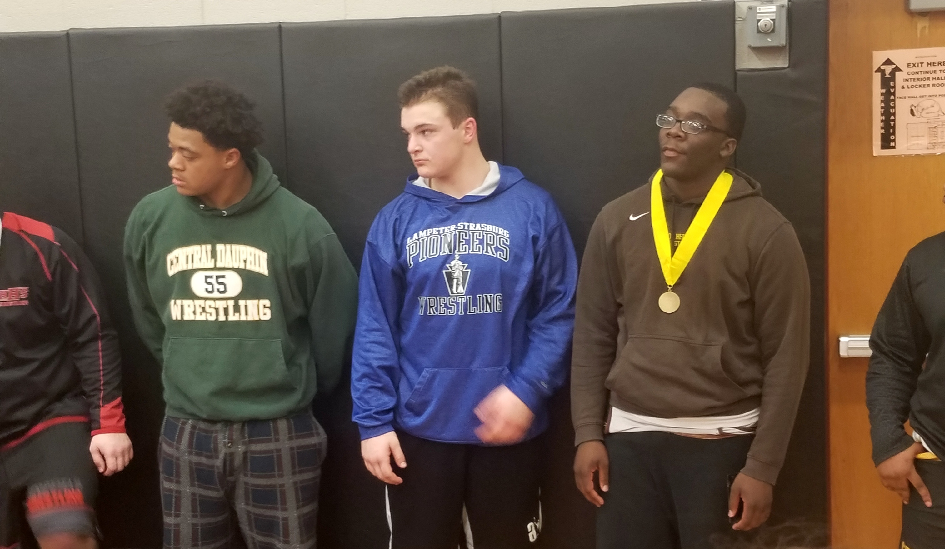 MHS wrestlers advance to district championship
